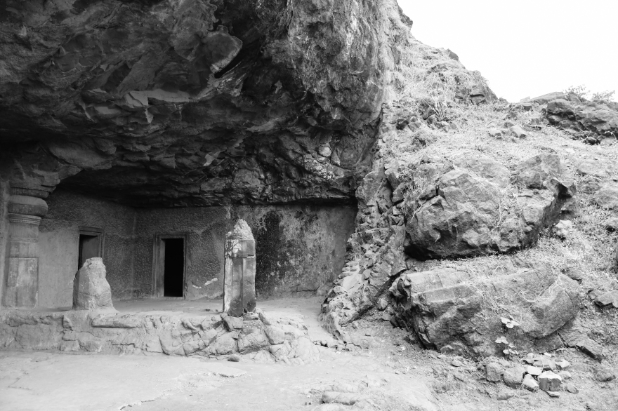 Unfinishes cave 1 in Elephanta